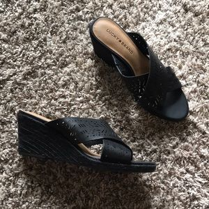 Lucky Brand Crossover Black Wedge Sandals size 8